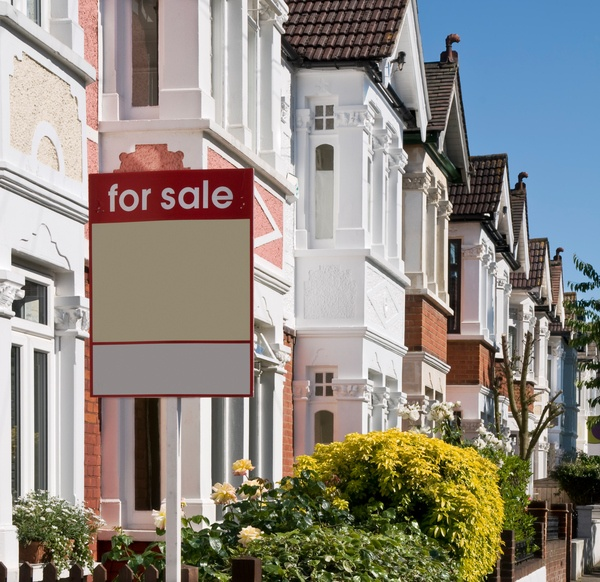 Selling home estate agent tricks
